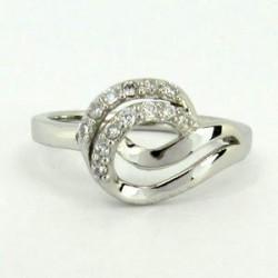 Stříbrný prsten se zirkony S70-087