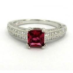 Stříbrný prsten s červeným zirkonem S70-100